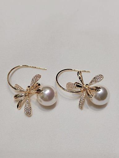Brass Imitation Pearl Leaf Trend Hook Earring