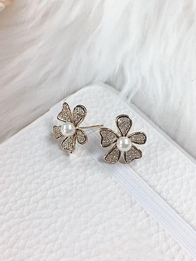 Brass Imitation Pearl Flower Trend Stud Earring