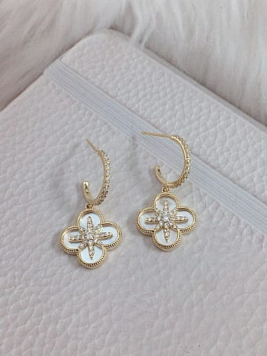 Brass Shell Clover Trend Hook Earring