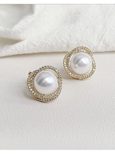 Brass Imitation Pearl Irregular Trend Stud Earring