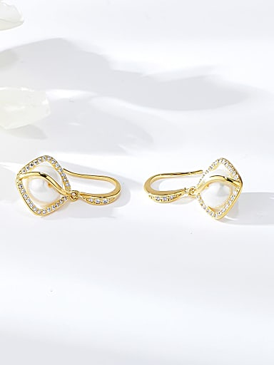 Zinc Alloy Imitation Pearl Irregular Trend Hook Earring