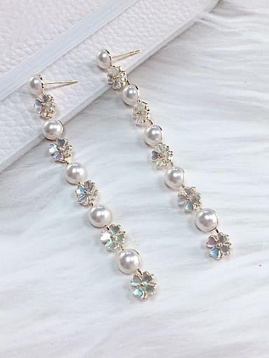 Zinc Alloy Imitation Pearl Flower Trend Drop Earring