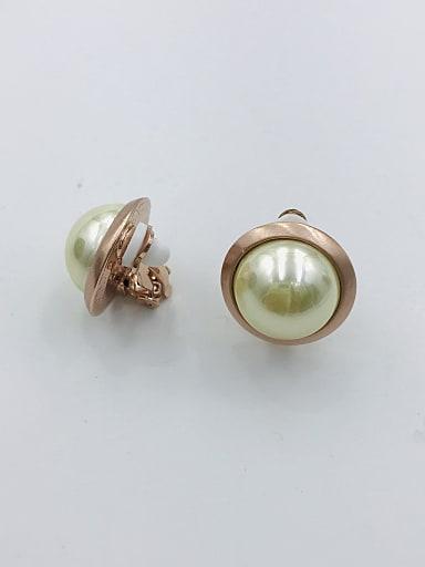 Zinc Alloy Imitation Pearl Beige Round Classic Clip Earring