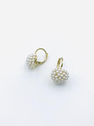 Zinc Alloy Imitation Pearl White Heart Cute Huggie Earring