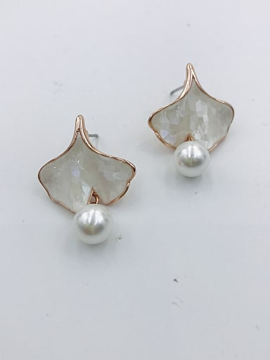 Zinc Alloy Shell White Leaf Trend Drop Earring