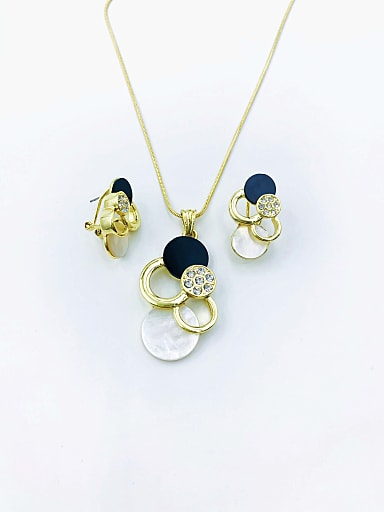 Classic Geometric Zinc Alloy Shell White Acrylic Earring and Necklace Set