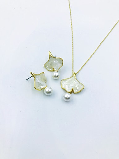 Dainty Leaf Zinc Alloy Shell White Earring and Necklace Set