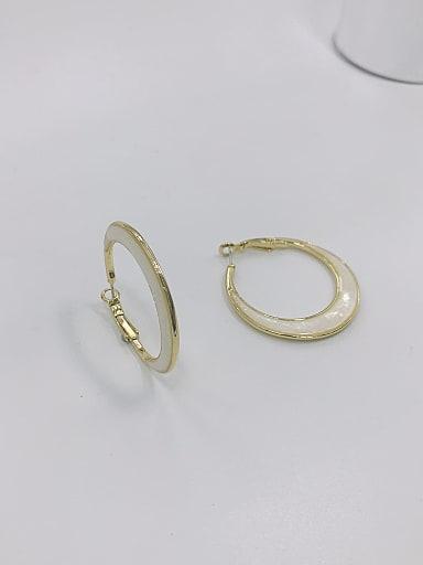 Zinc Alloy Shell White Round Minimalist Hoop Earring
