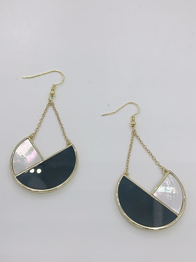 Zinc Alloy Shell White Acrylic Geometric Statement Hook Earring