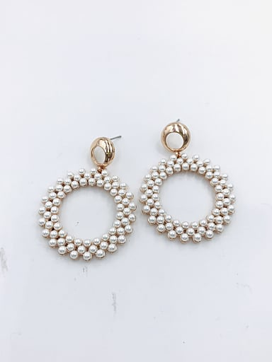 Zinc Alloy Imitation Pearl White Round Statement Drop Earring