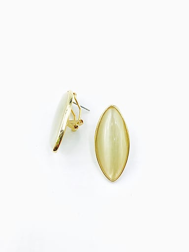 Zinc Alloy Cats Eye White Geometric Minimalist Clip Earring