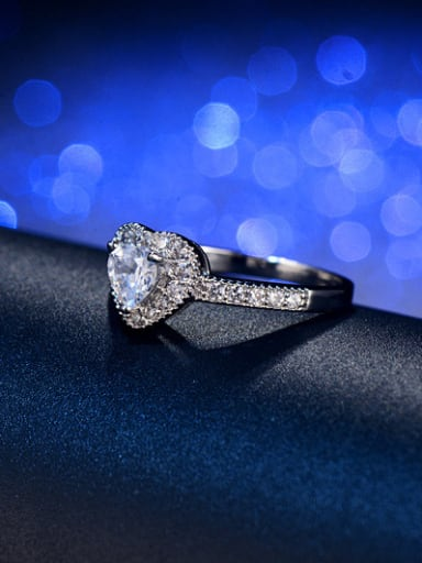 Luxury Heart-shape Engagement Ring