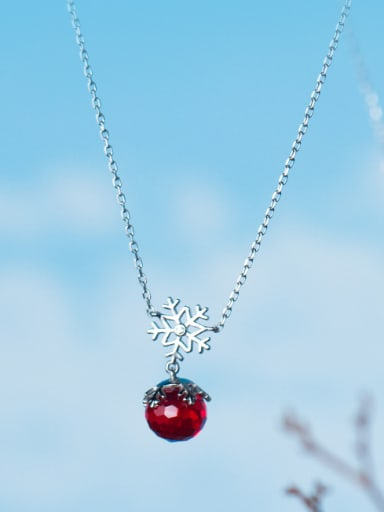 Temperament S925 Silver Snowflake Shaped Crystal Necklace