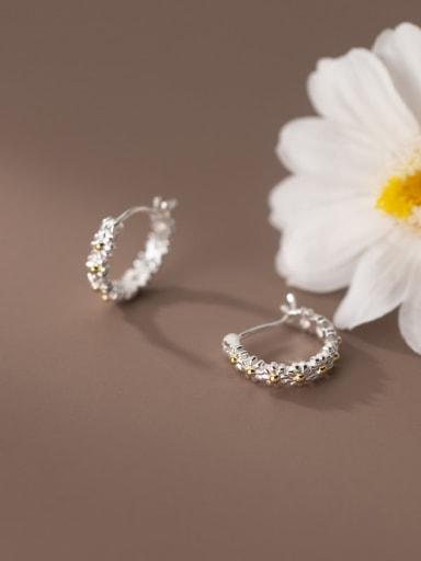 925 Sterling Silver Flower Minimalist Huggie Earring