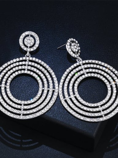 white Alloy Rhinestone Geometric Luxury Cluster Earring