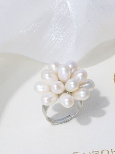 White ring Brass Freshwater Pearl Flower Vintage Band Ring