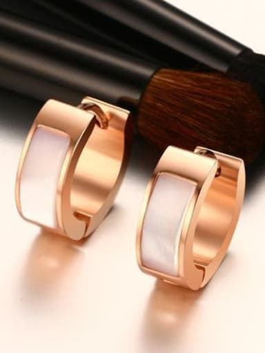 rose gold Stainless steel Shell Round Minimalist Huggie Earring