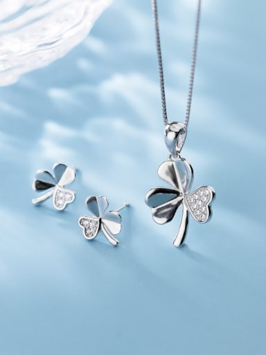 925 Sterling Silver Cubic Zirconia Clover Minimalist Necklace