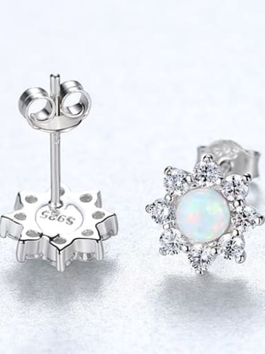 White 18e03 925 Sterling Silver Opal Flower Classic Stud Earring