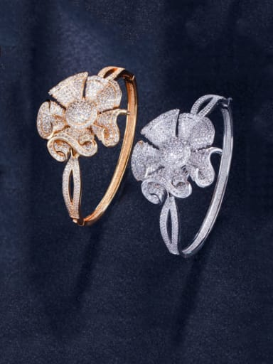 Brass Cubic Zirconia Flower Luxury Band Bangle