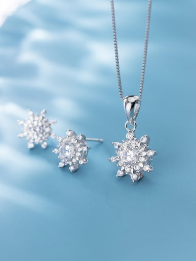 925 Sterling Silver Cubic Zirconia Minimalist Flower  Earring and Necklace Set