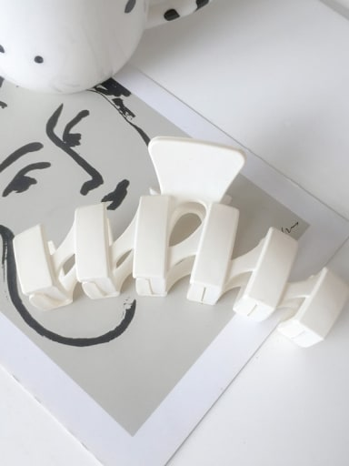 white Alloy Resin Minimalist Geometric  Jaw Hair Claw
