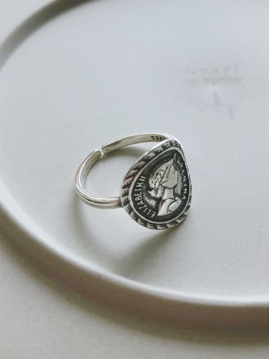 925 Sterling Silver Round Artisan Elizabethan Signet Ring
