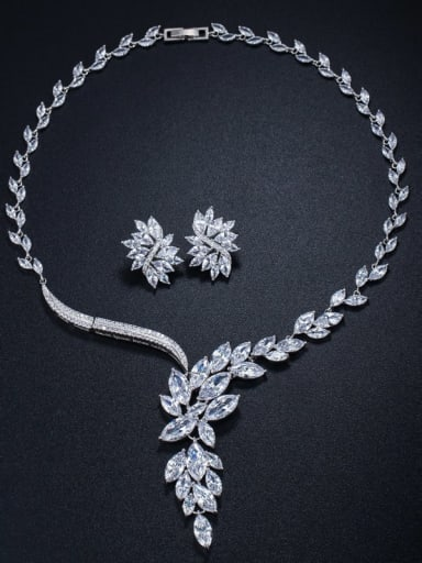 Brass Cubic Zirconia  Luxury Flower Earring and Necklace Set