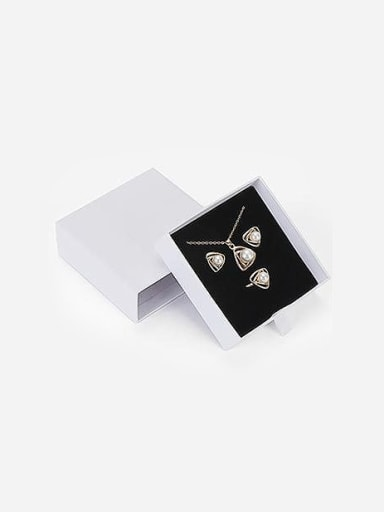 White Eco-friendly Paper Pull Out Jewelry Box For Bracelets,Necklaces,Bangles and Small Jewelry Sets