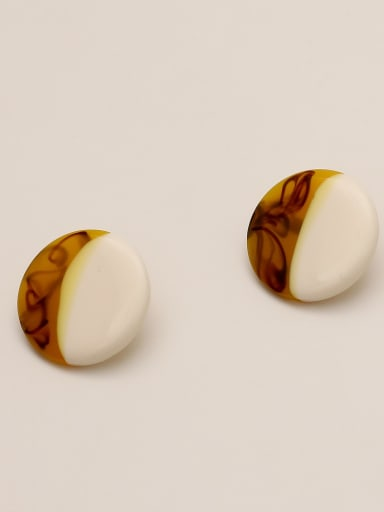 Ginger white Brass Acrylic Round Vintage Stud Earring