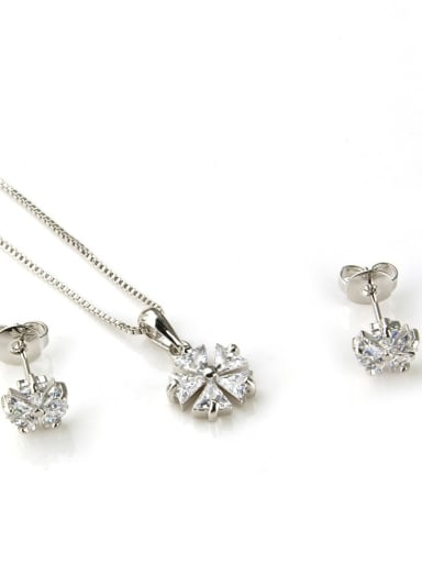 White zirconium plating Brass Dainty Clover Cubic Zirconia Earring and Necklace Set