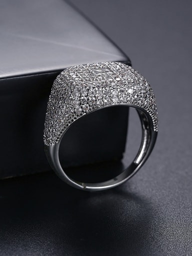 T21F08 White Brass Cubic Zirconia Geometric Hip Hop Band Ring