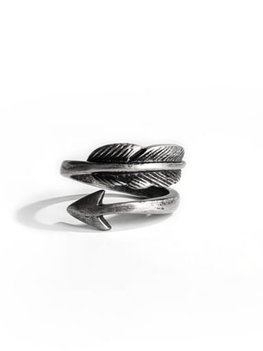 Antique  (size 6) Titanium Steel Feather Vintage Band Ring