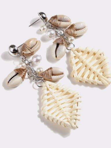 White e68605 Alloy Shell Geometric Bohemia Hand-Woven Drop Earring