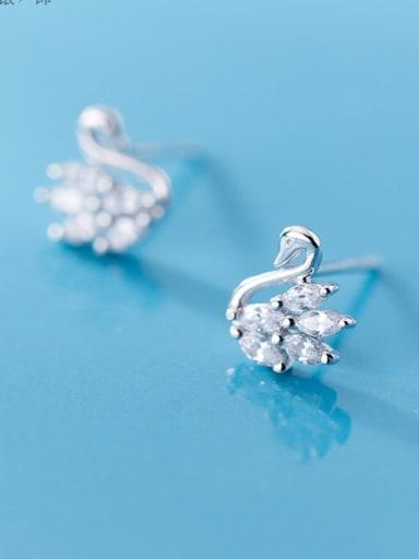 925 Sterling Silver Dainty Stud Earring