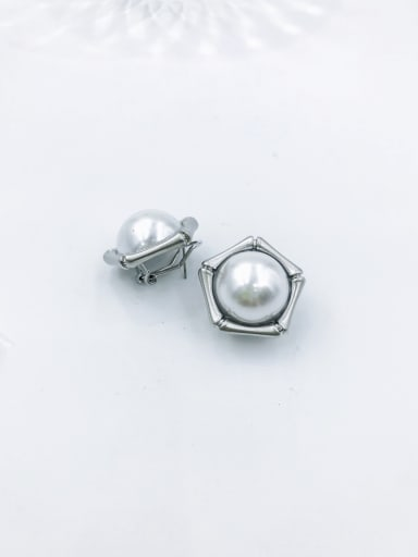 imitation rhodium Zinc Alloy Imitation Pearl White Geometric Minimalist Clip Earring
