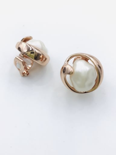 Rose Zinc Alloy Imitation Pearl White Irregular Trend Clip Earring