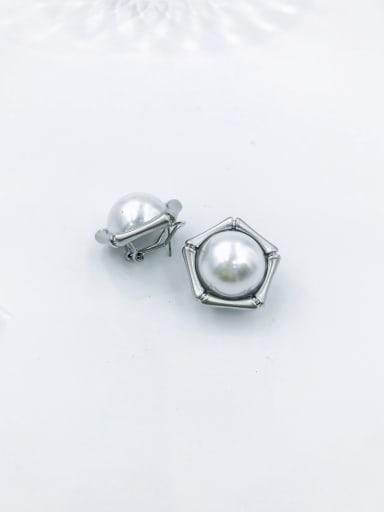 Silver Zinc Alloy Imitation Pearl White Geometric Minimalist Clip Earring