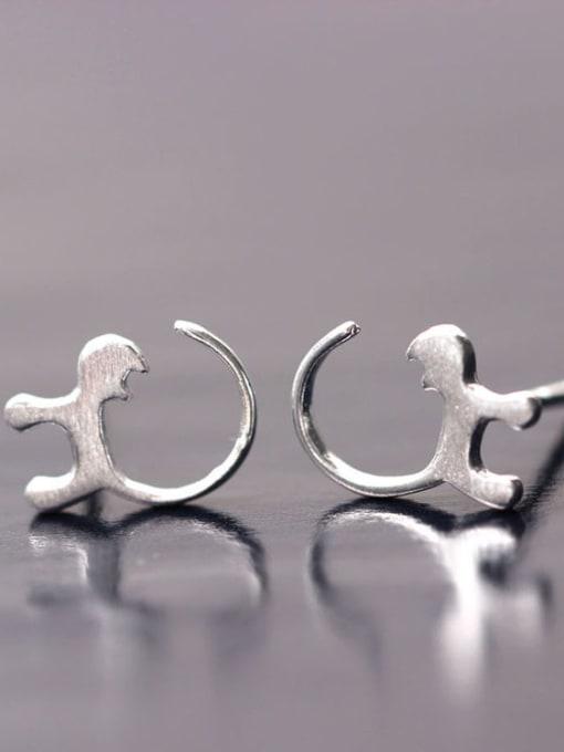 SILVER MI Curious Cats-shape Stud Earrings 1