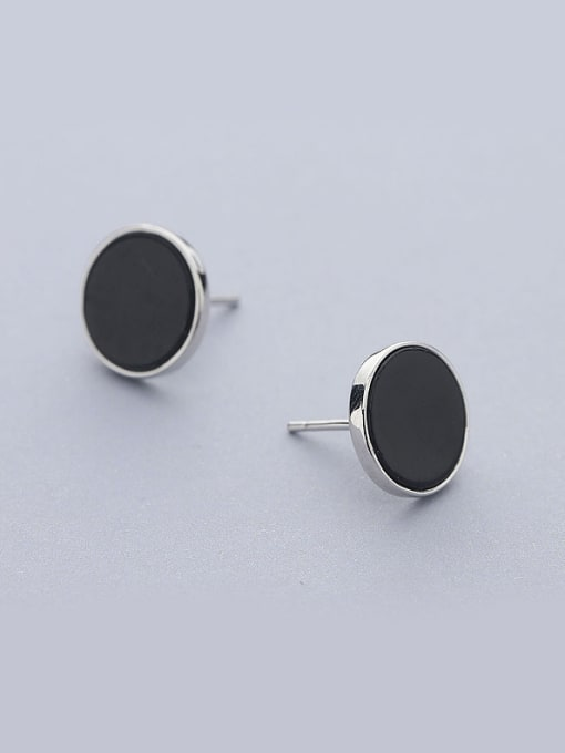 One Silver Black Round Shaped stud Earring