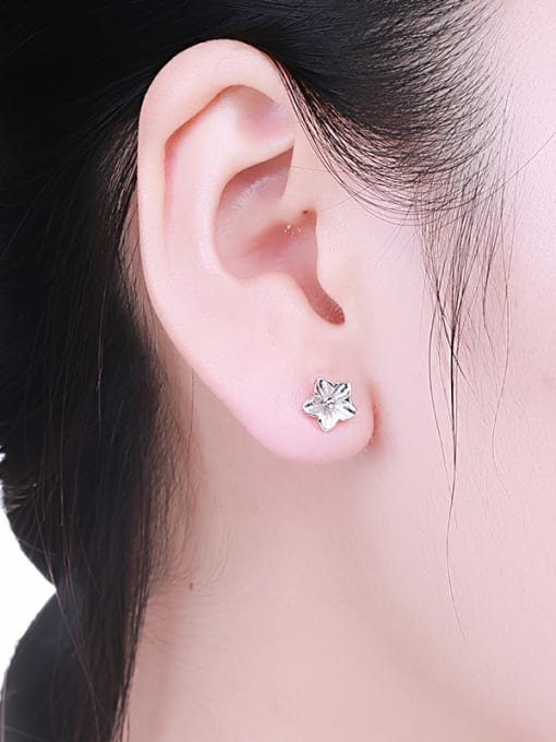 One Silver Personality Flower Shaped stud Earring 1