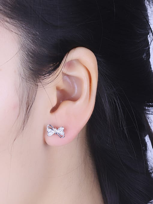 One Silver Personality Asymmetric Bowknot Shaped stud Earring 3