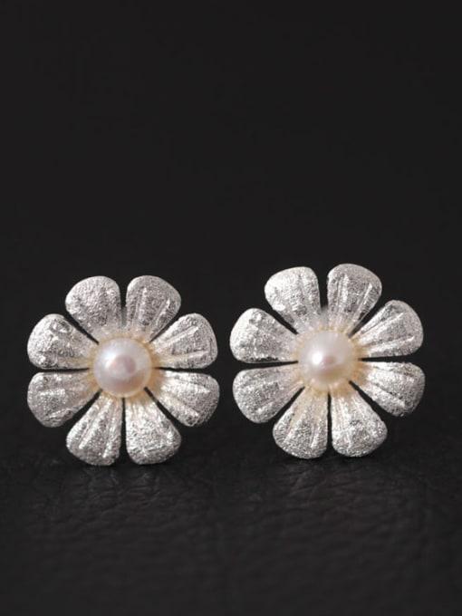 SILVER MI Freshwater Pearls Flower Women stud Earring 1