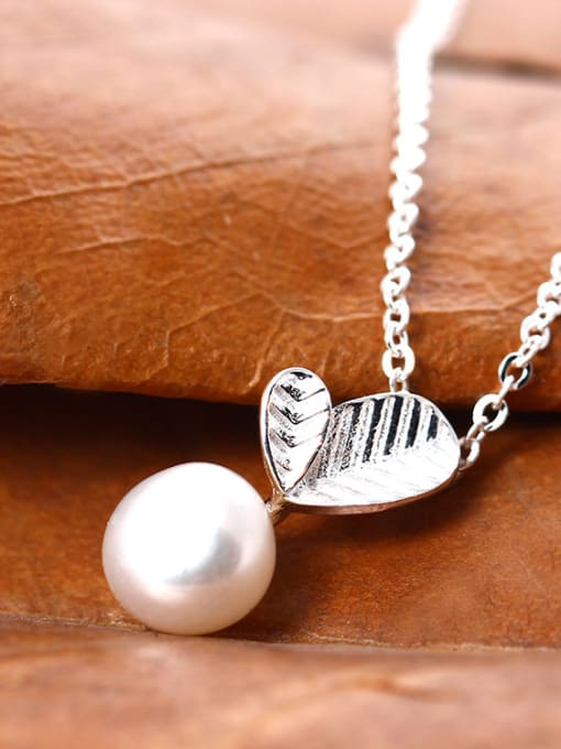 SILVER MI Freshwater Pearl Leaves Clavicle Temperament Necklace 1