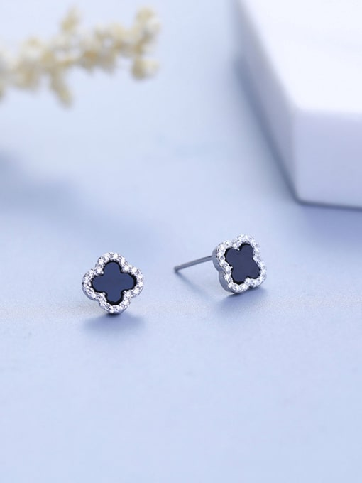 One Silver Platinum Plated Clover Shaped stud Earring