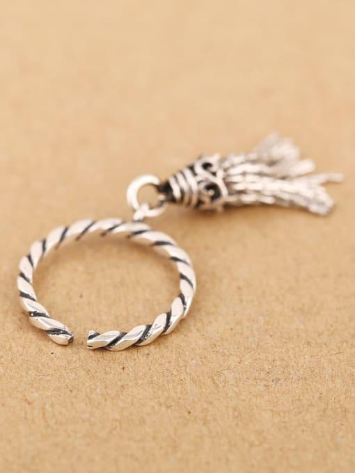 Peng Yuan Fashion Tassels Silver Opening Ring 2