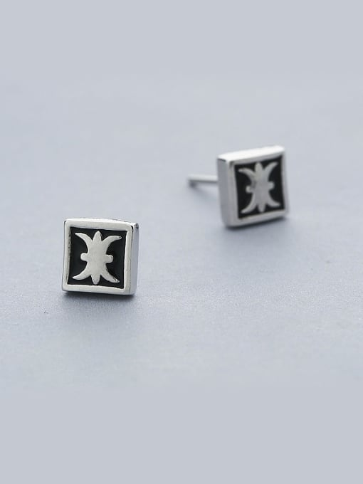 One Silver Fashion Square Shaped stud Earring 0
