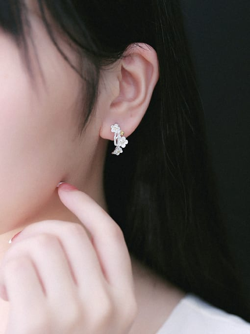 Peng Yuan Exquisite Flowers Silver stud Earring 1