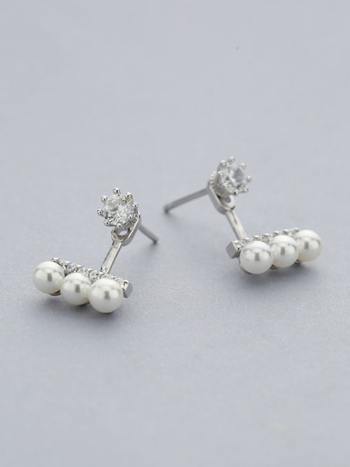 One Silver Fashionable Geometric Pearl Stud Earrings 1