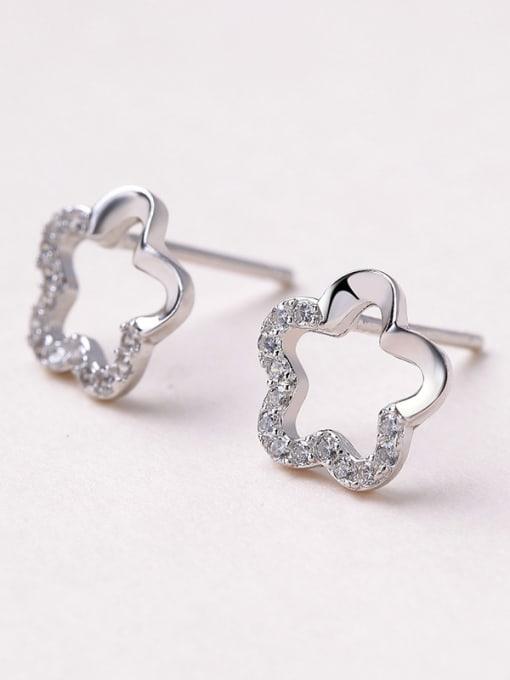 One Silver 925 Silver Flower Shaped Zircon stud Earring 0